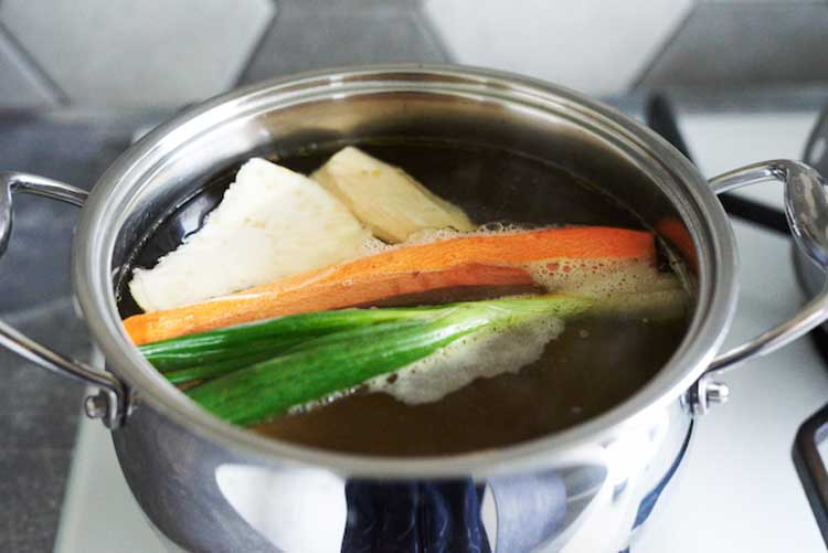 Bulion warzywny na zupę kminkową