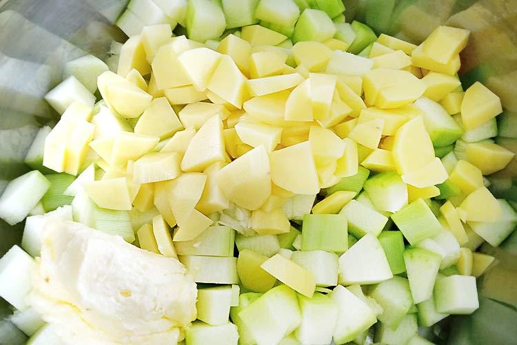 Przepis na zupę z cukinii